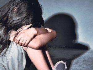 İngiltere'de Doktora, Kanserli Çocuklara Yönelik Cinsel Tacizden 22 Yıl Ceza