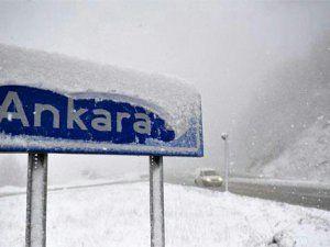 Ankara'da Kar Yağışı Nedeniyle Yolda  Konvoy Oluştu