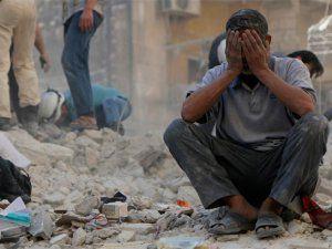 Suriye'de El Hammuriye Bölgesine Hava Saldırısı: 64 Ölü