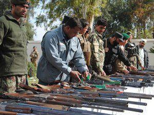 Afganistan'da Taliban'la Barış Görüşmeleri Başlıyor