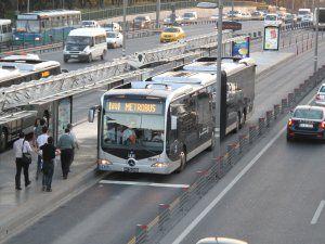 Şirinevler'de Metrobüs Şoförüne Bıçaklı Saldırı!