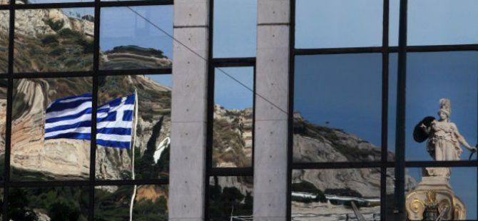 Guardian Gazetesi: Avrupa Kendini Kurtarmak İçin Yunanistan'ı Kurtarmalı