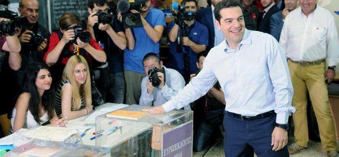 Yunanistan'da Referandumda Kullanılacak Oy Pusulasında Hayır Seçeneği Üstte