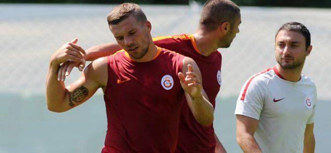 Galatasaray Antrenmanında Burak - Podolski Tartışması