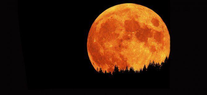33 Yıl Sonra Süper Ay Tutulması Yaşanacak!