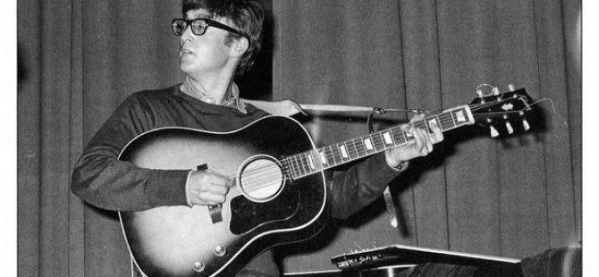 John Lennon'ın Gitarı 2,4 Milyon Dolara Satıldı
