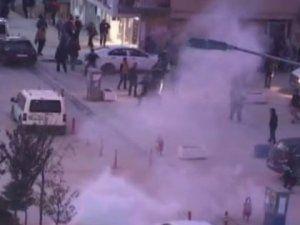 Hakkari'de İzinsiz Yürüyüşe Polis Müdahale Etti