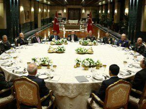 Cumhurbaşkanı Erdoğan YAŞ Üyeleriyle Yemekte Bir Araya Geldi