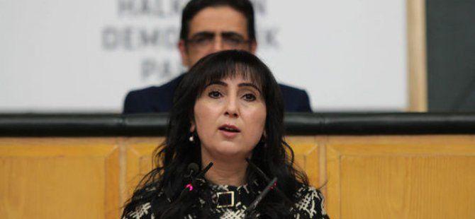 Figen Yüksekdağ'dan Açıklama: Özyönetim Haktır Savunmaya Devam Edeceğiz