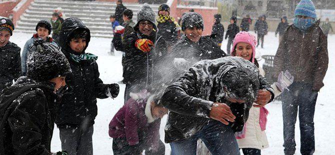 Kar Yağışı Nedeniyle 5 Ocak Salı Günü Okulların Tatil Edildiği İl ve İlçeler