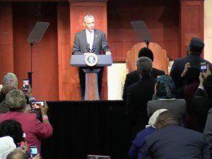 Obama Amerika'da Bir Camiyi Ziyaret Etti