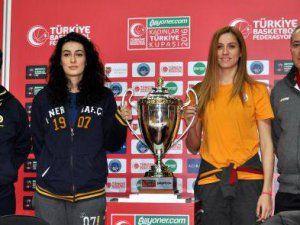 Fenerbahçe ve Galatasaray Kaptanlarının Hedefi Kupa