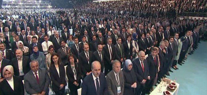 Cumhurbaşkanı Erdoğan'ın AK Parti Kongresi'ne Yolladığı Mesajını Ayakta Dinlediler