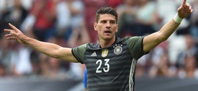 Almanya 1-3 Slovakya (Mario Gomez'in Golü Almanya'ya Yetmedi)