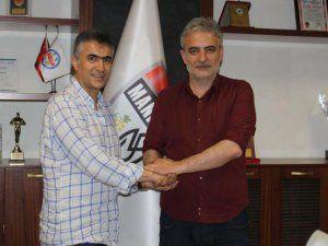 Manisaspor'un Yeni Teknik Direktörü Mehmet Altıparmak Oldu