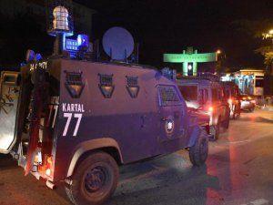 Harp Akademileri Lojmanı'na Polis Şafak Operasyonu Düzenledi