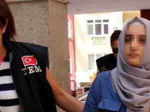 Kocaeli'de FETÖ Evlerini Boşaltmaya Çalışan 'Abla' Yakalandı!