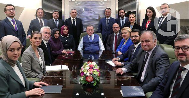 Cumhurbaşkanı Erdoğan, Rusya dönüşü gazetecilere açıklamalarda bulundu