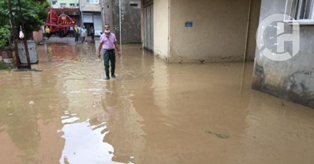 Giresun'da meydana gelen sel hayatı felç etti! Meteoroloji'den yeni uyarılar geldi