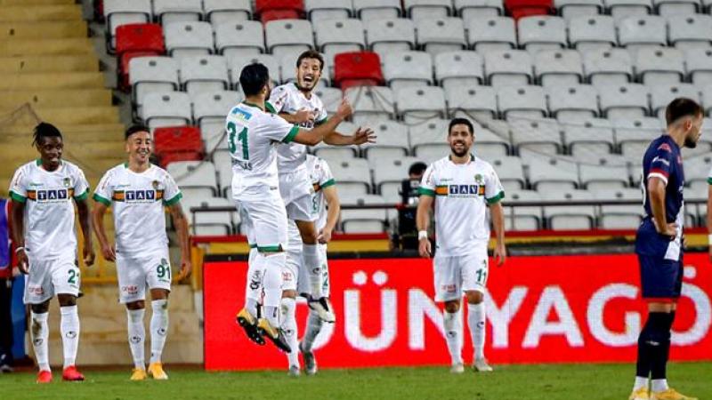 Alanyaspor liderliği bırakmıyor Antalyaspor - Alanyaspor maç sonucu: 0-2