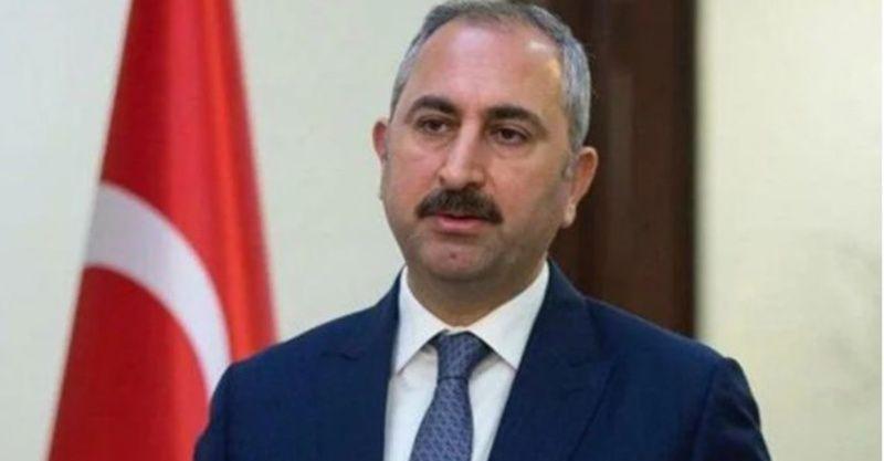 Adalet Bakanı Gül'den WhatsApp açıklaması: Çifte standart uyguluyor