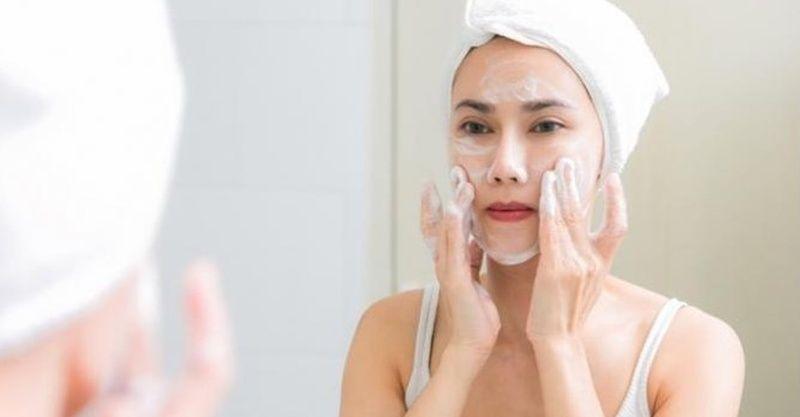 Evde peeling yaparak sağlıklı cilde kavuşabilirsiniz