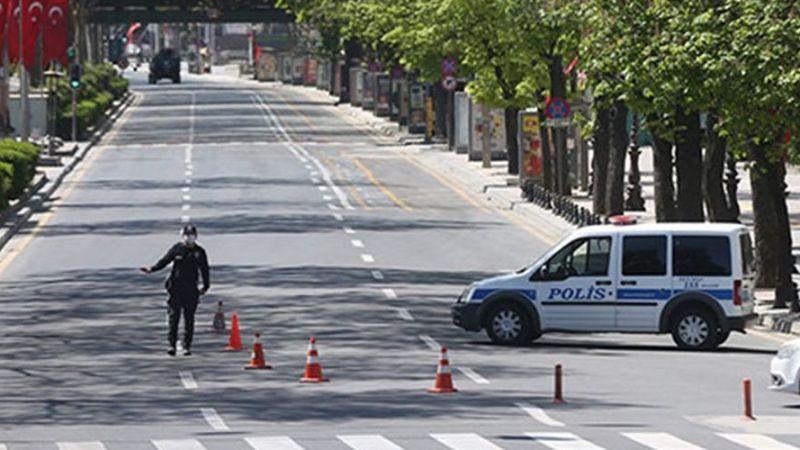 Sokak Kısıtlamasını Delmek İçin Yaptıkları Pes Dedirtti
