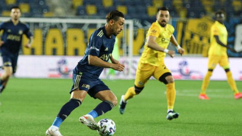 Fenerbahçe 90+6'da yarışa tutundu