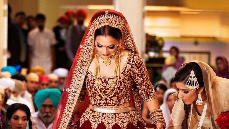 Damat kaçtı, gelin düğüne gelen konukla evlendi