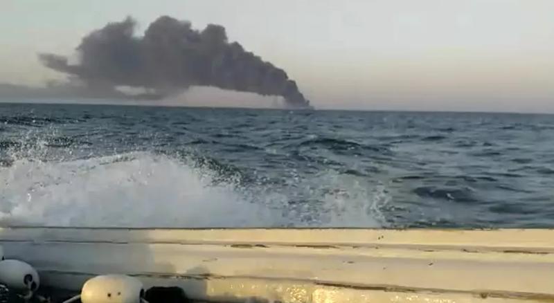 İran'ın en büyük gemisi yanarak battı