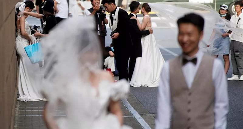 Çin'de 5 günde 400 bin kişi evlendı