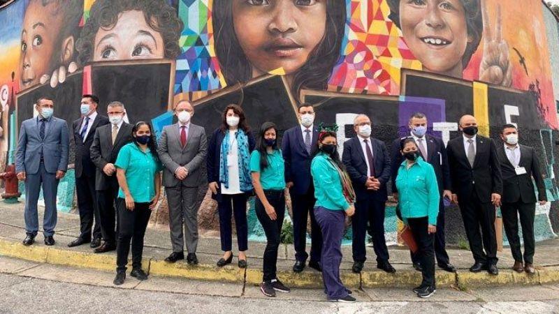Venezüella'ya giden CHP milletvekili kim?
