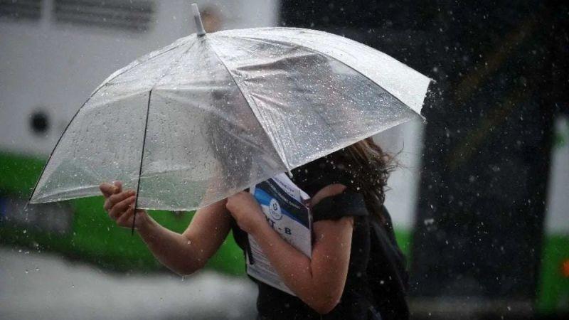 Meteoroloji'den sağanak yağmur uyarısı! Şemsiyenizi almadan çıkmayın