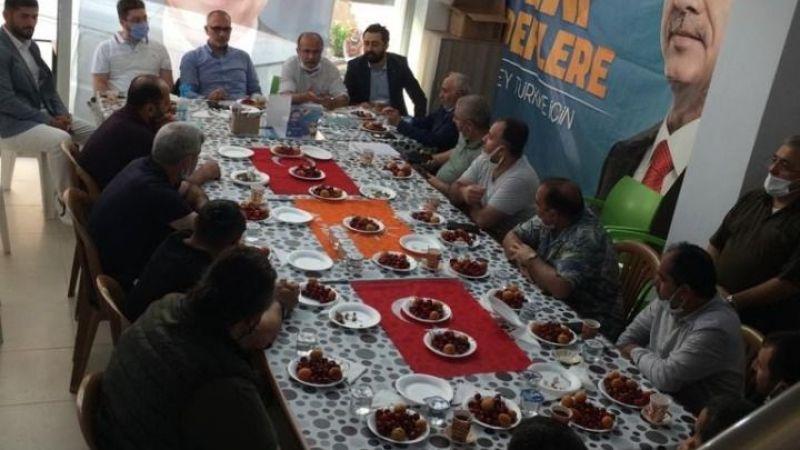 Türk bayrağını sofra bezi olarak kullanılıyor eleştirisine il başkanından açıklama geldi