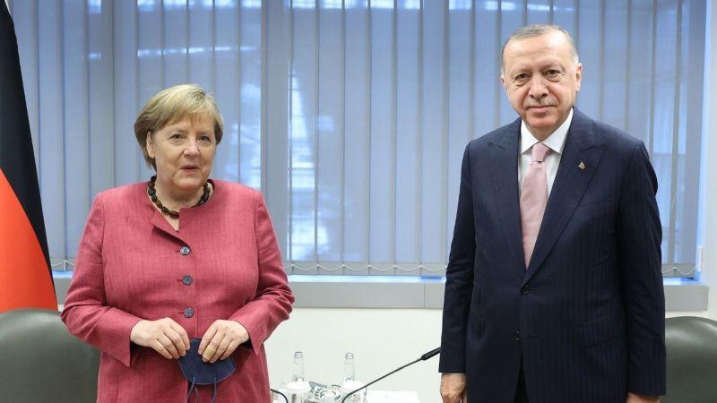 Merkel: Türkiye ile diyalog sürecine hızla geçmeliyiz