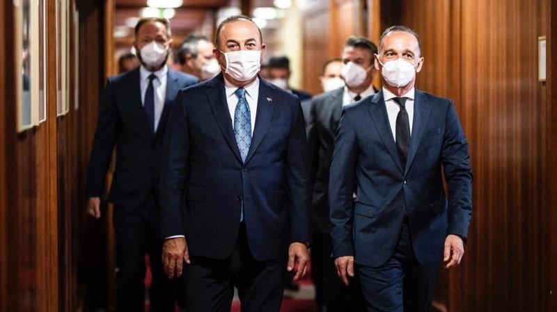 """""""Tüm yabancı güçler ve paralı askerler gecikmeksizin Libya'dan çekilmelidir"""" maddesine şerh"""