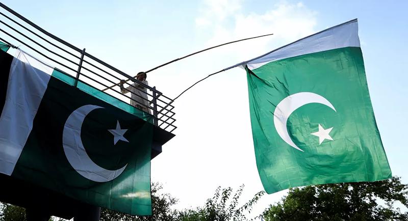 Pakistan'da 'İsrail ziyareti' iddiaları hükümeti karıştırdı
