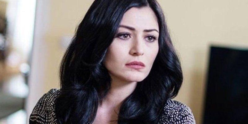 Oyuncu Deniz Çakır başörtülü kadınlara hakaret ettiği gerekçesiyle açılan davada beraat etti