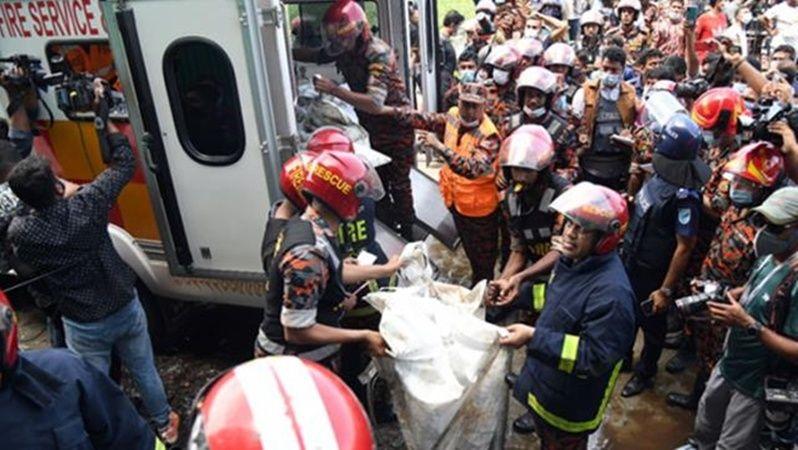 Bangladeş'te fabrika yangını! Ölü ve yaralılar var