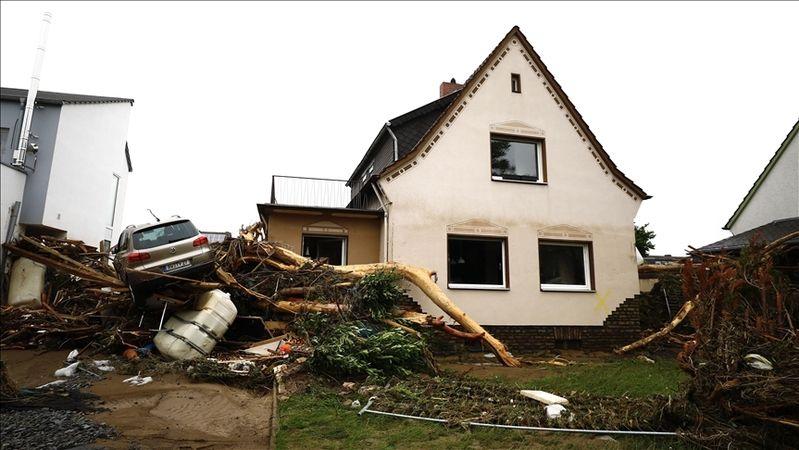 Almanya'da yaşanan sel felaketinde ölenlerin sayısı artıyor
