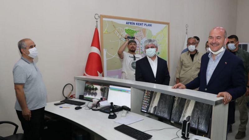 Duygu dolu anlar! Süleyman Soylu Afrin'de güvenlik güçlerinin bayramını kutladı