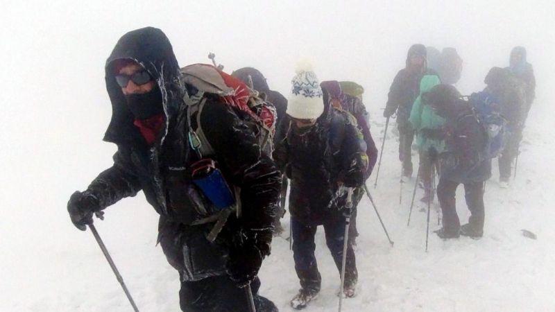 Ağrı Dağı'nda tırmanış yapan dağcı ekip tipiden rehberleri sayesinden kurtuldu