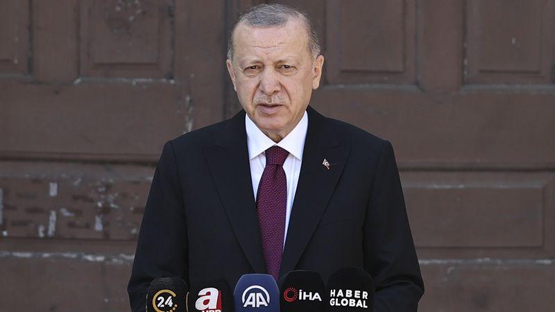 Erdoğan: Dağlara, nehirlere çarpık yapılar yapılmasına izin vermedik
