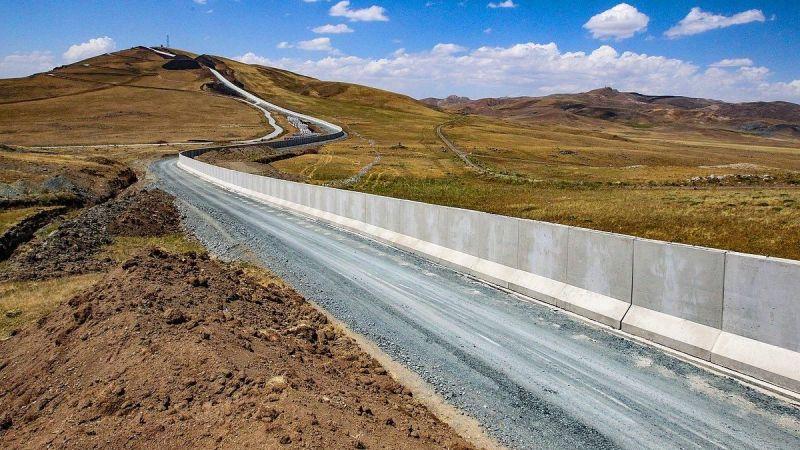 Van Valisi Mehmet Emin Bilmez: Türkiye-İran sınırına yıl sonuna kadar 64 kilometrelik duvar örülecek