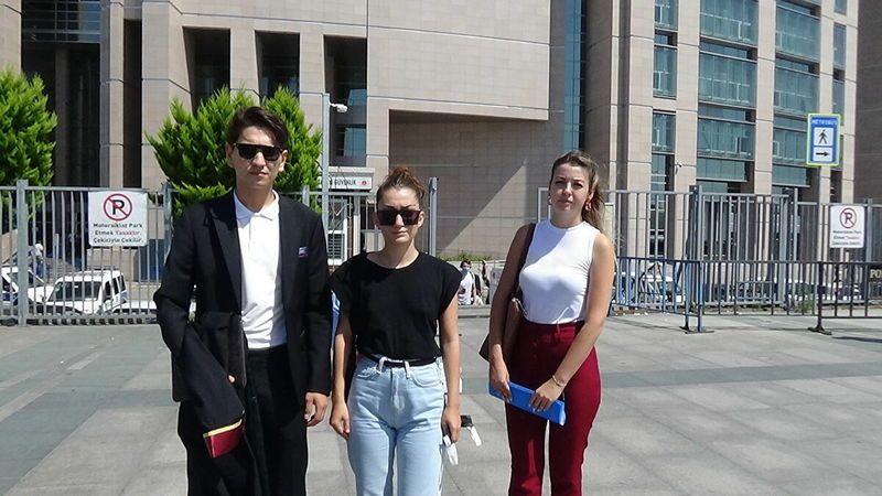 Şarkıcı Çağatay Akman'ın kesine şiddet uyguladığını iddia eden Öykü Uslu, şikayetçi oldu