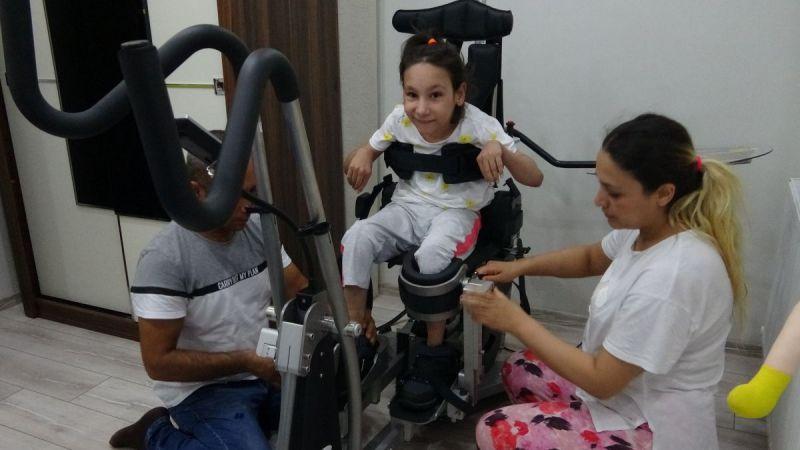 Serebral palsi hastalığı ile mücadele eden Yaren'e güzel haber Cumhurbaşkanı Erdoğan'dan geldi