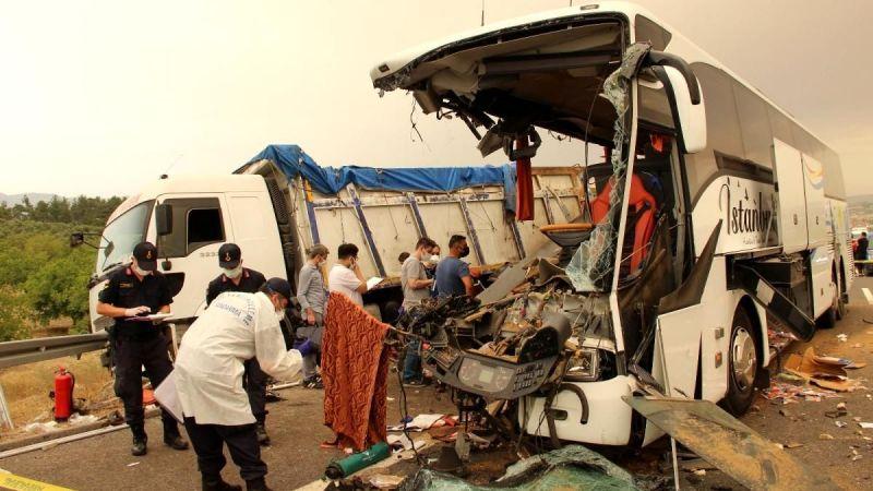 Son dönemde yaşanan otobüs kazalarının ardından alınması gereken önlemler sıralandı