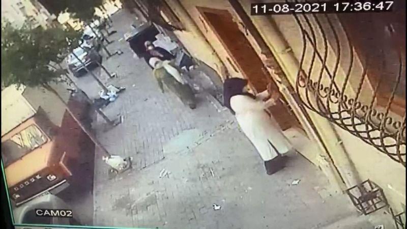 İstanbul'da yaşlı kadını zekat bahanesi ile kandırdılar