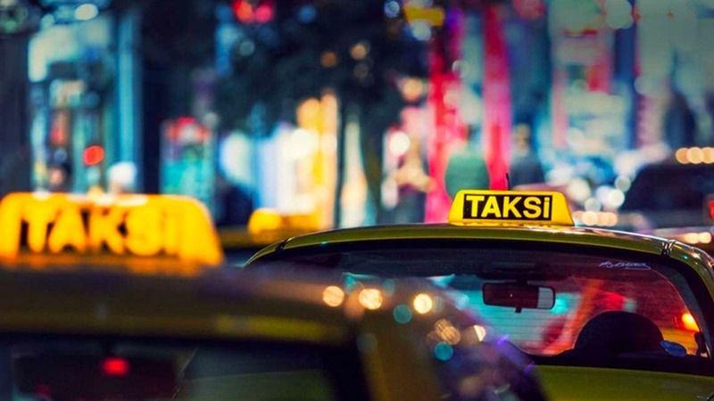 Almanya'dan Türkiye'ye gelen bir grup arkadaş,Taksicinin 'Siz Almancısınız, 100 euro verin' teklifini kabul etmeyince darp edildi
