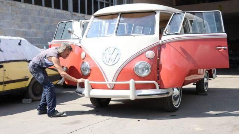 1964 model minibüsü, 350 bin TL masrafla ilk günkü haline çevirdi